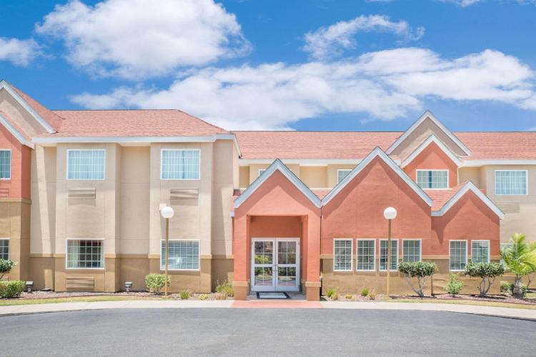 Microtel Inn & Suites by Wyndham Aransas Pass/Corpus Christi