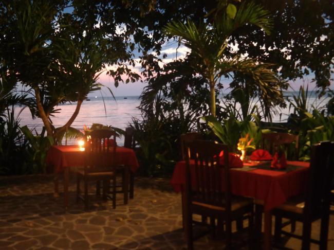 1000 Dream Bungalow & Restaurant