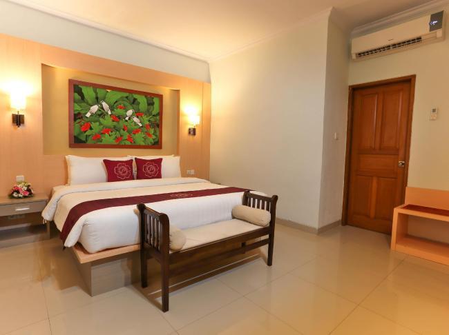 Puri Saron Seminyak Hotel & Villas