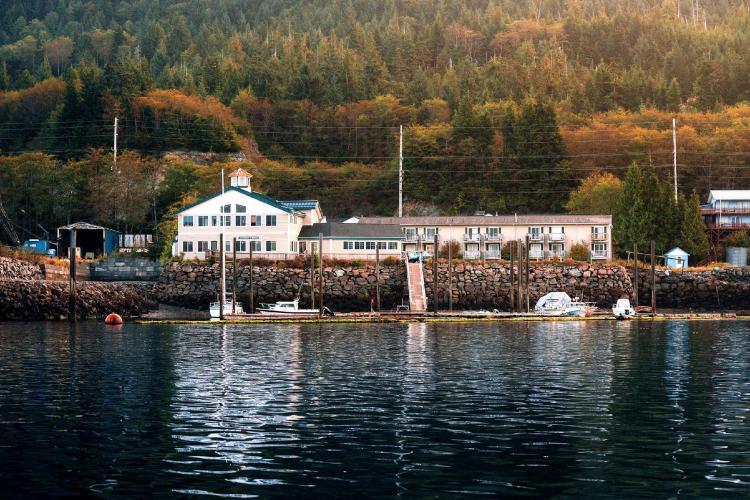 Edgewater Inn Restaurant and Marina