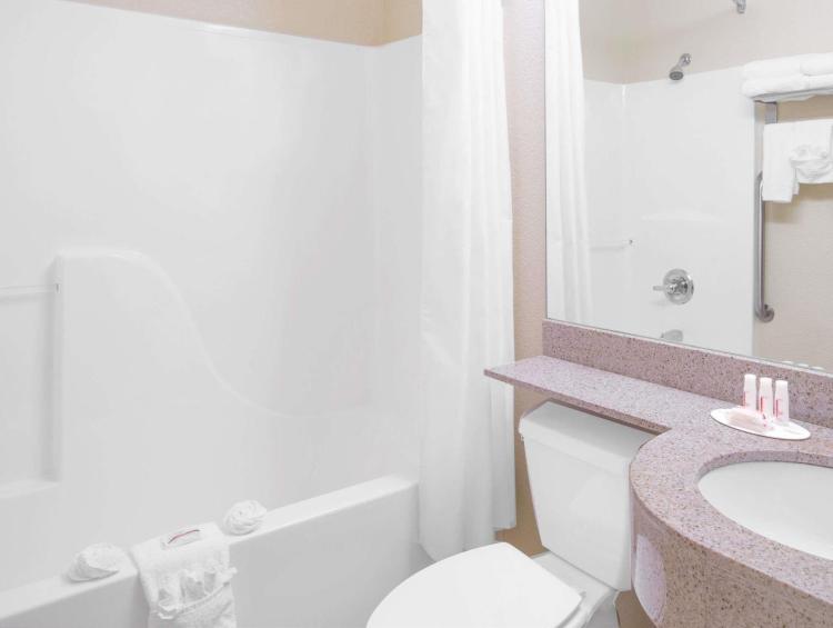 Microtel Inn & Suites by Wyndham Albertville