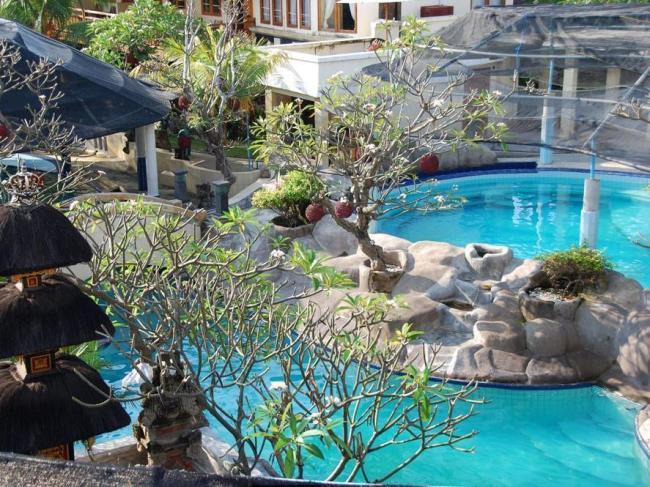 Dolphin Hotel Bali