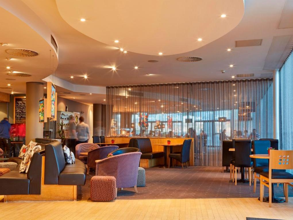 Easy hotel - Accommodation in Cardiff