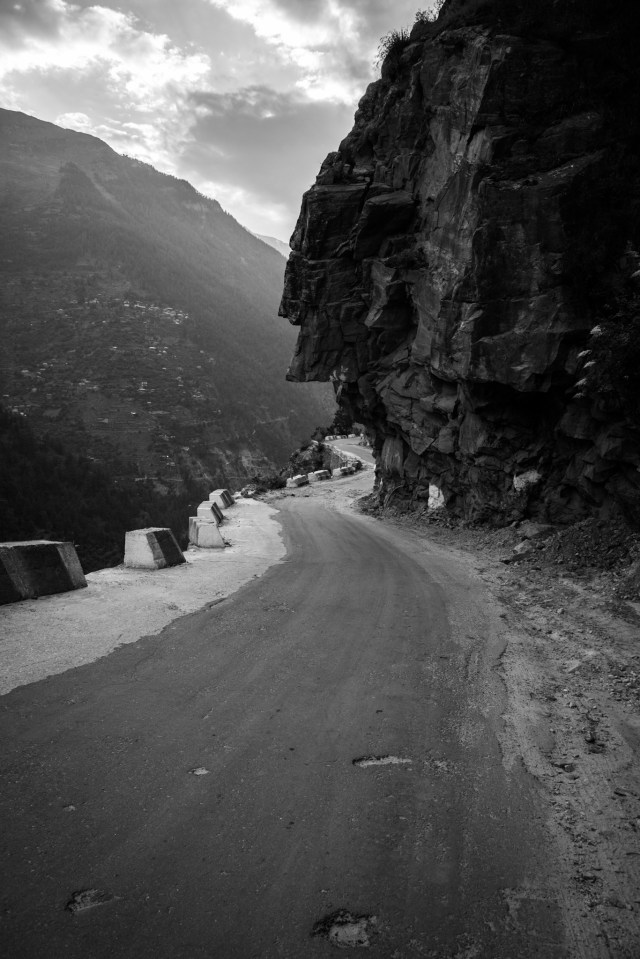 Road leading to Langza