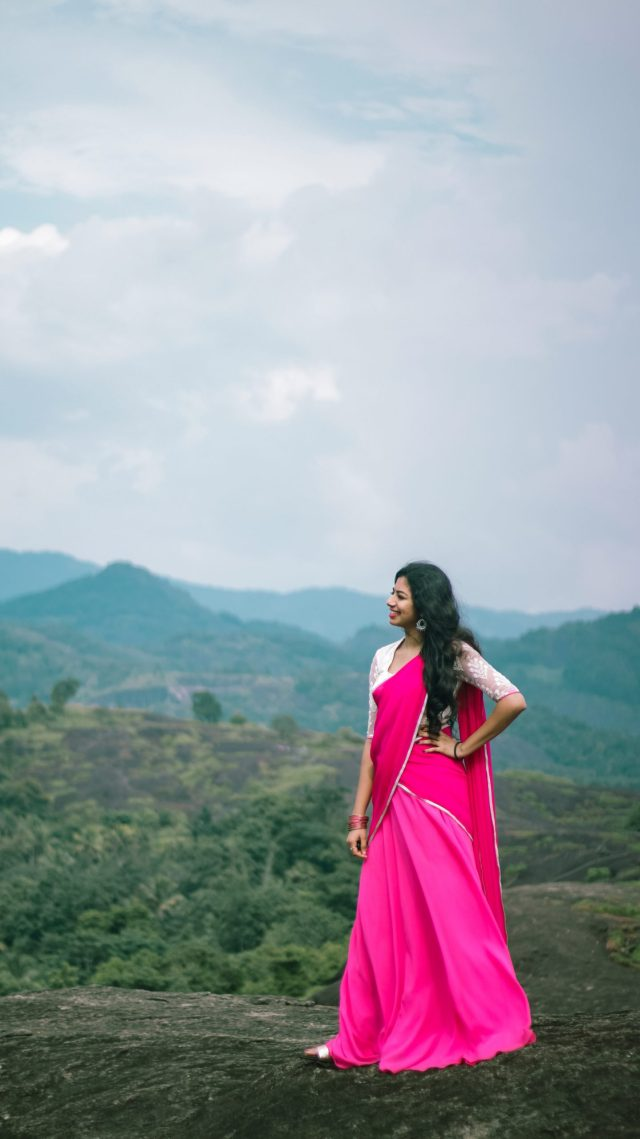 girl posing at the mountains