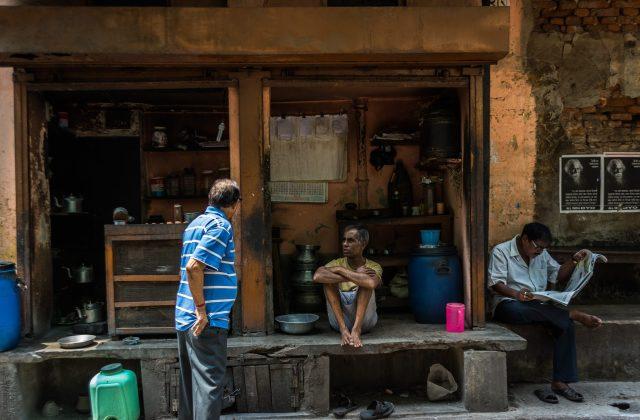 People at a tea shop