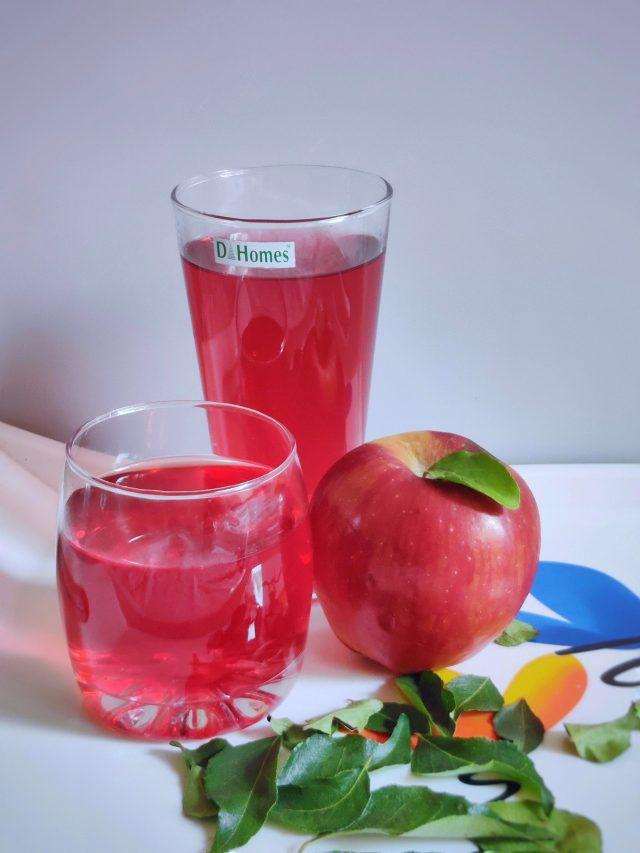 Apple juice in glasses