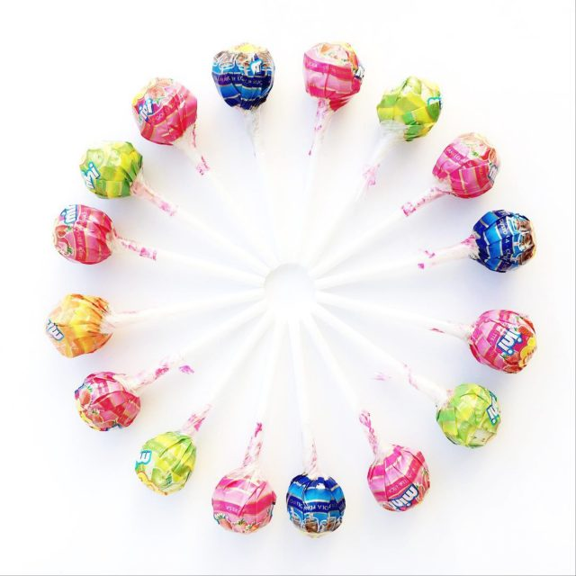 A circle made with lollypops