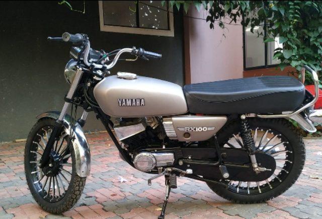 Yamaha RX100 bike