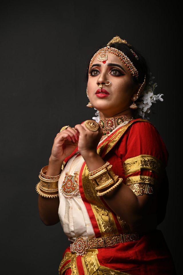 Facial expressions of a classical dancer