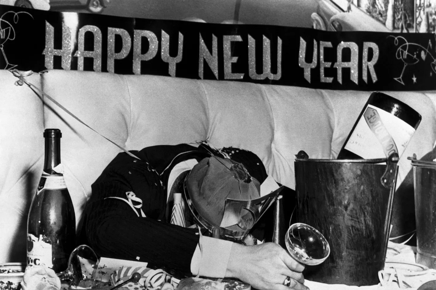 Sloshed  The Pro Am Guide to New Year s Eve Drinking