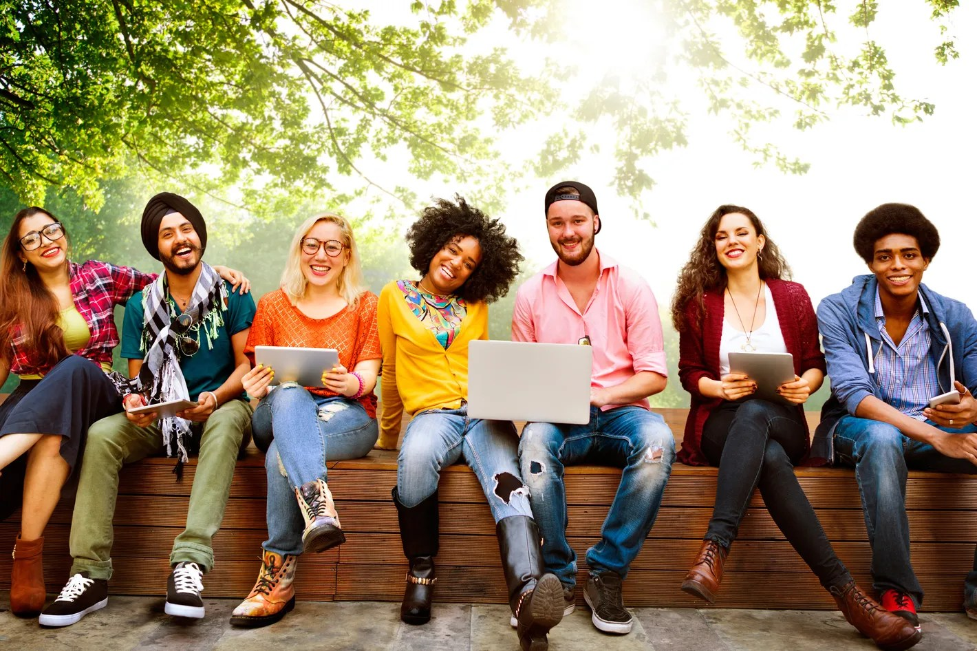 4 Benefits To Having A Diverse Friend Group
