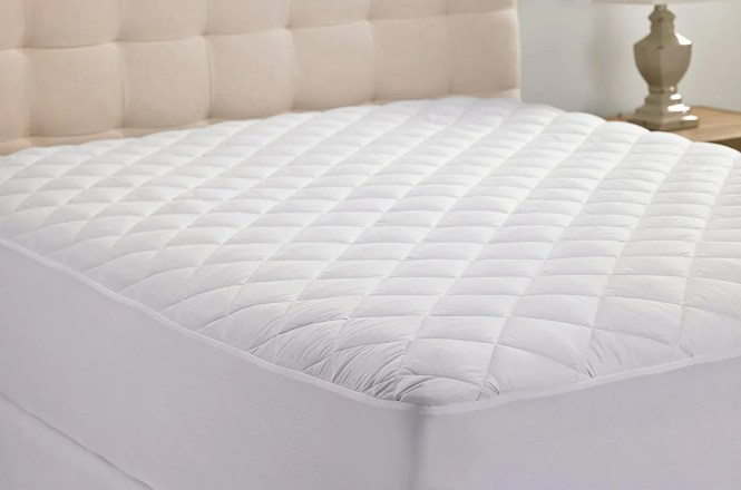 Hypoallergenic Quilted Stretch To Fit Mattress Pad By Hanna Kay 10 Year Warranty