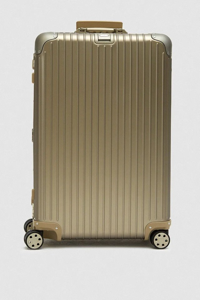 Rimowa Topas Titanium 82 L Multiwheel® Electronic Tag Suitcase