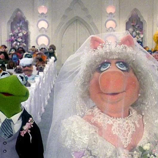 The New Muppet Movie Has A Miss Piggy Wedding Vulture