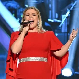 Kelly Clarkson aus reba mcentire Stiefsohn