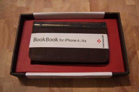 BookBook for iPhone von Twelve South