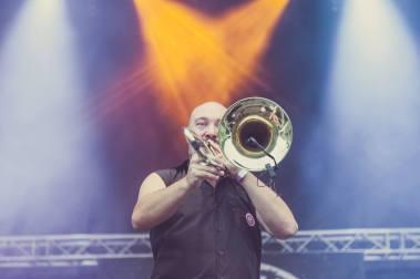 Oferta Especial auf dem Festivalkult Umsonst & Draußen Festival in Porta Westfalica