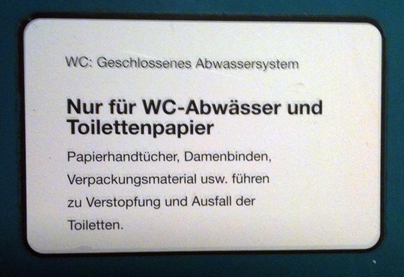 Zweideutige Warnhinweise in Zugtoiletten der deutschen Bahn