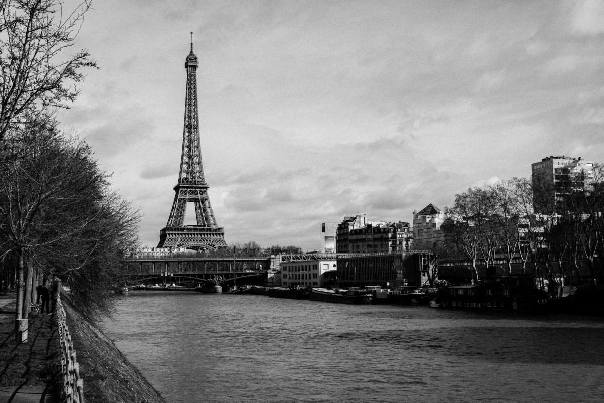 Paris - Eiffelturm, Seine - S/W