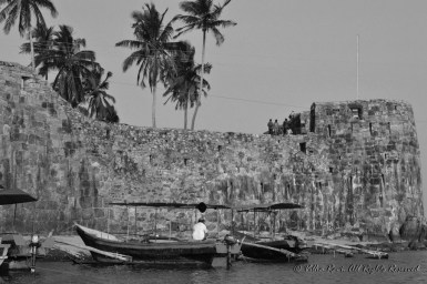 Boats anchored near the fort