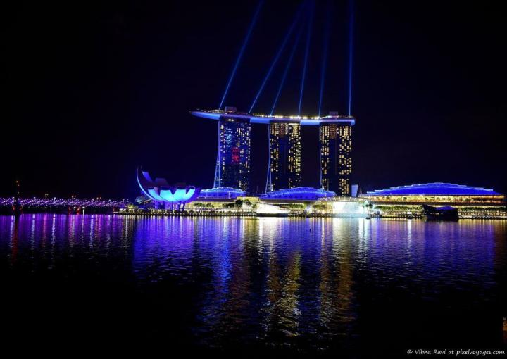 Marina Bay Sands' light and water show titled 'Wonder Full' is on Sunday - Thursday: 8:00pm, 9:30pm Friday & Saturday: 8:00pm, 9:30pm, 11:00pm