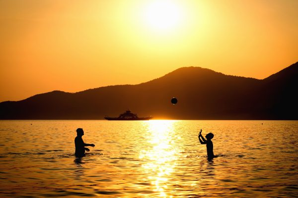 Free picture silhouette people sea sunset water game