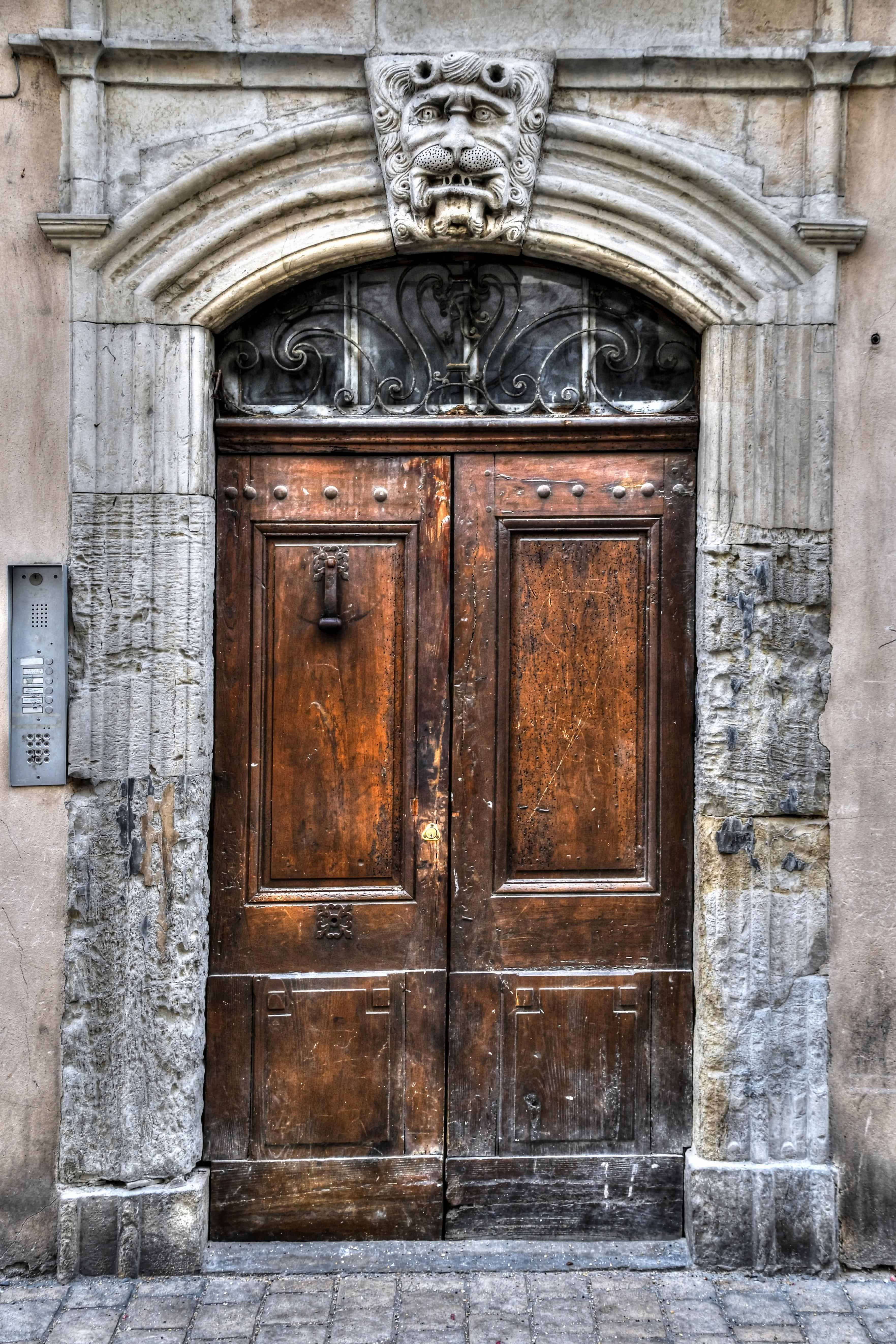 รูปภาพฟรี ประตูทางเข้า ทางเข้า บ้าน สถาปัตยกรรม ประตู ไม้