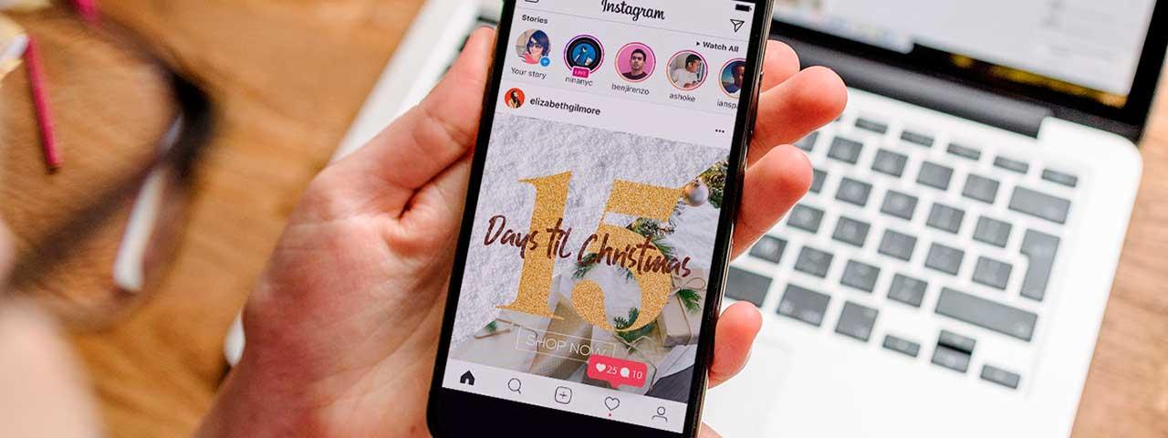 PixoLabo - Small Business Holiday Marketing Tips - Be Social