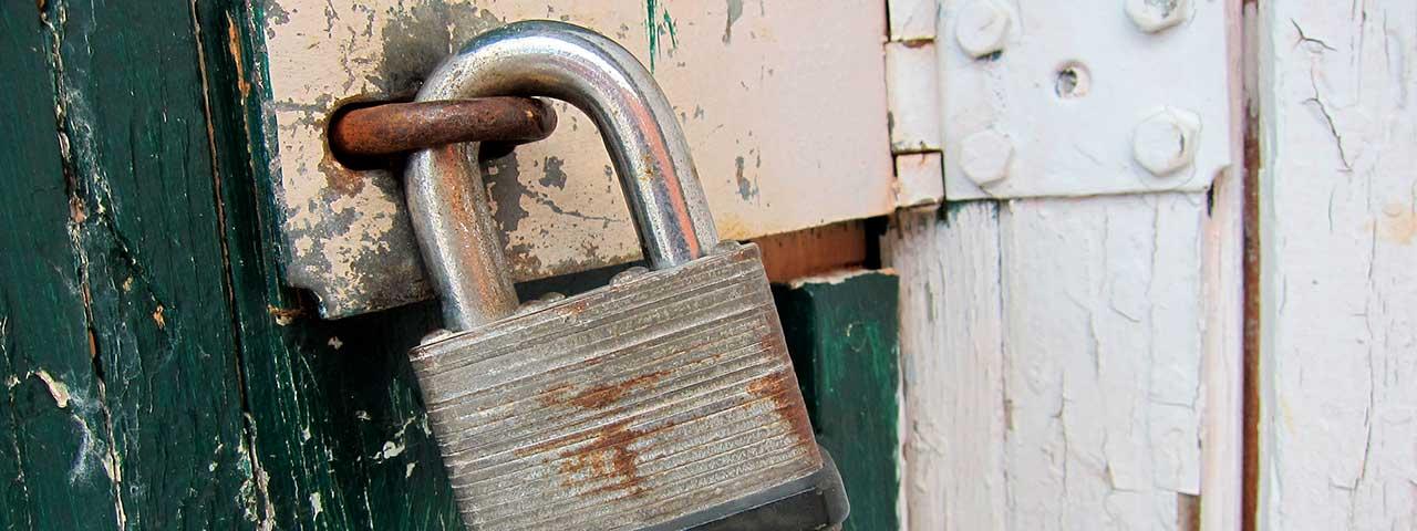 PixoLabo - Locked In vs. Freedom to Move