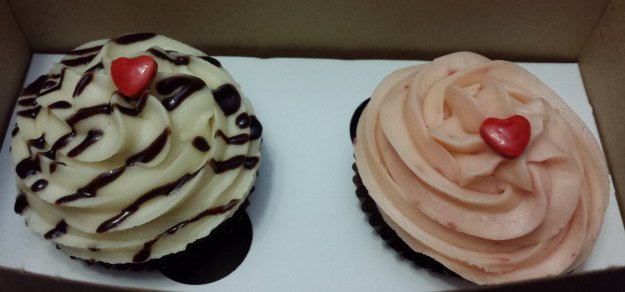 His and hers cupcakes :P