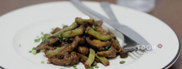 Свинина с фасолью и грибами в соевом соусе — Pizza Cooking.
