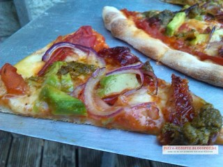 frische Pizza Avocado