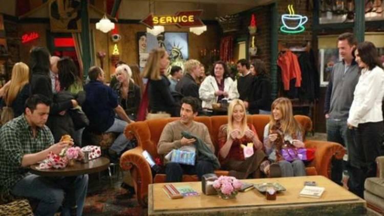 Los protagonistas de Friends en la cafetería Central Perk