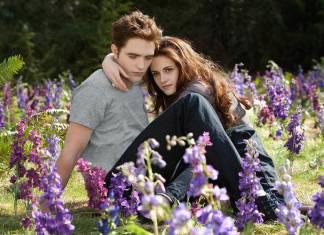 """Robert Pattinson y Kristen Stewart en """"Crepúsculo"""""""