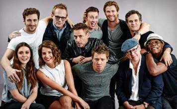 Jeremy Renner y Chris Evans llaman zorra a Scarlett Johansson