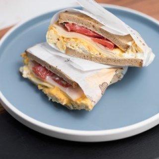 Signature Sandwiches Ζεστά