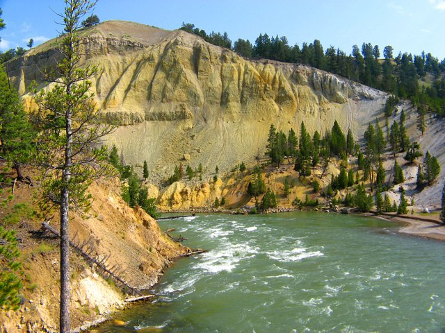 The Yellowstone River from Tower Fall trail.
