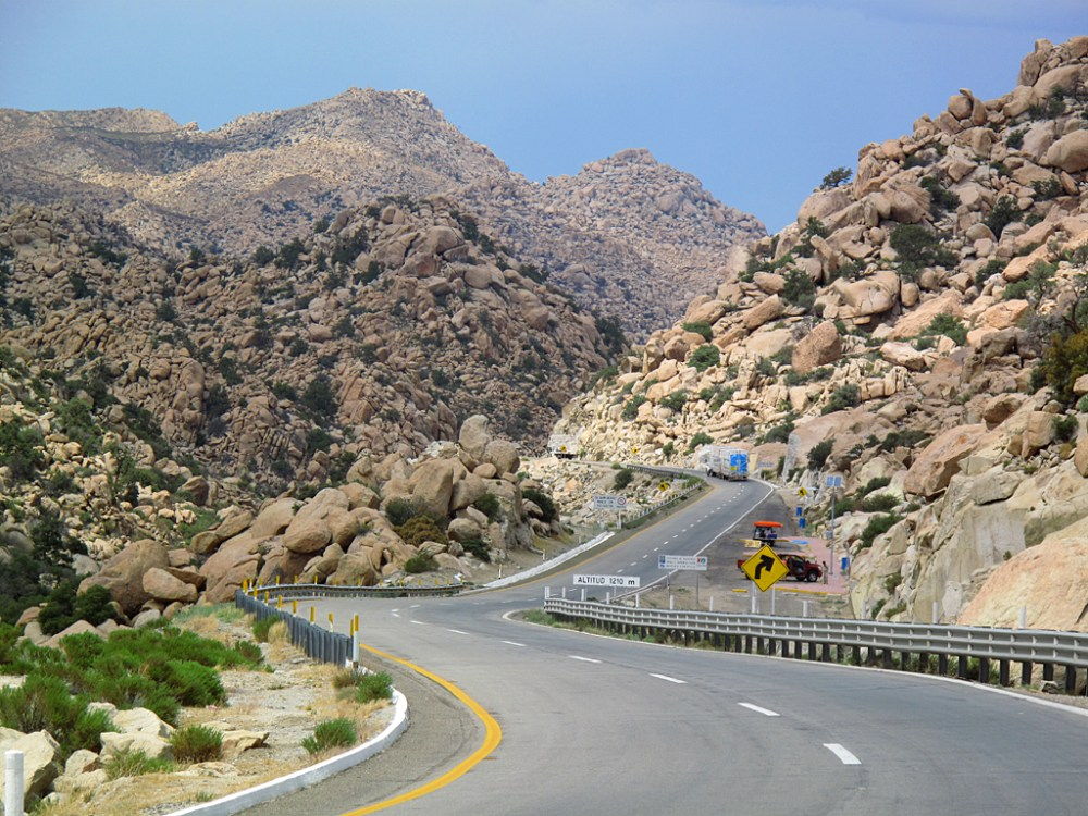 Starting down the eastbound lanes of Mexico Highway 2 near La Rumorosa.