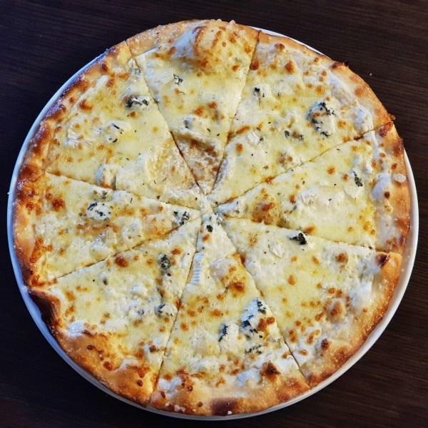 17. Pizza Smotanová 4-druhy syra 660g