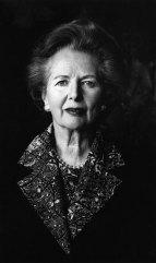 """Ef takmark þitt væri aðeins það að öllum líkaði vel við þig, þyrftir þú alltaf að semja um allt og þar með ekki áorka neinu - Margaret Thatcher, fyrsta og eina konan til að vera forsætisráðherra Breta, oft kölluð Járnfrúin (""""The Iron Lady"""") vegna harðra stjórnunarhátta hennar."""