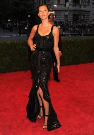 Giselle í Givenchy