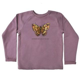 Oudroze kindersweater met vlinder. Van biologisch katoen. Voor kinderen van nul tot zes jaar.