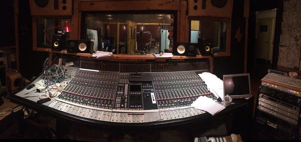 Sing Sing Desk Mixing Desk