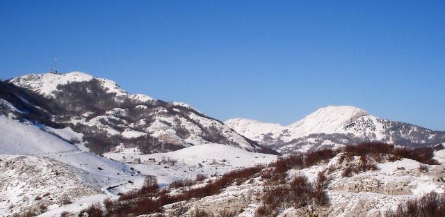 Štirovnik, Jezerski vrh, a u sredini Dolovi pod snijegom