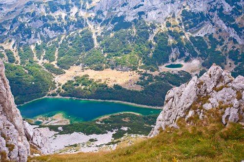 Pogled na Škrčko jezero sa prevoja Prutaša