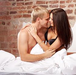 美女とベッド