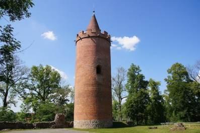 Putlitz Burgturm Mauerreste Treppe Kellergewölbe