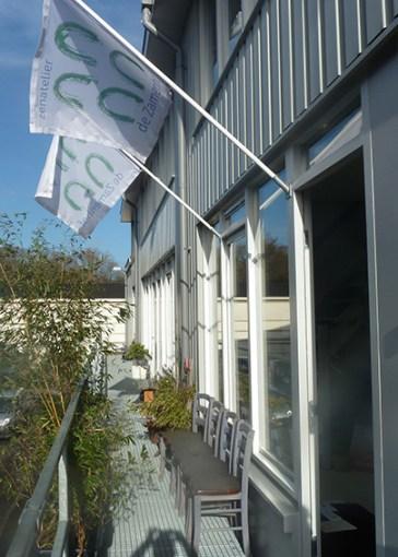 zamenhof_voorkant met vlaggen