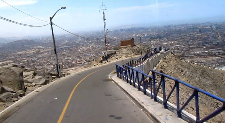 Vista durante la subida al cerro.  View on the way up to the hill. Photo credit, placeOK